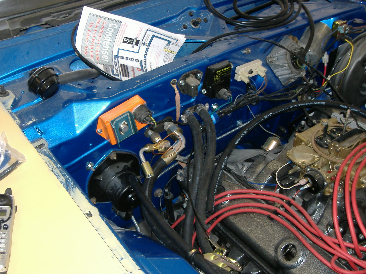 1973 Charger-HT-enginebay